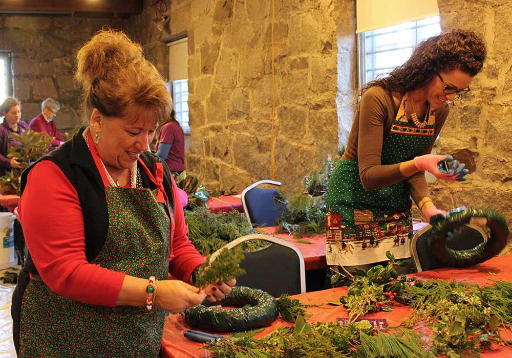 Button Holiday Wreath Workshop
